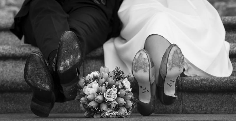 zapatos novio y novia firmados en la suela