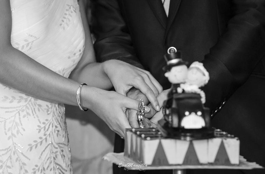 banquete boda corte tarta muñecos novios