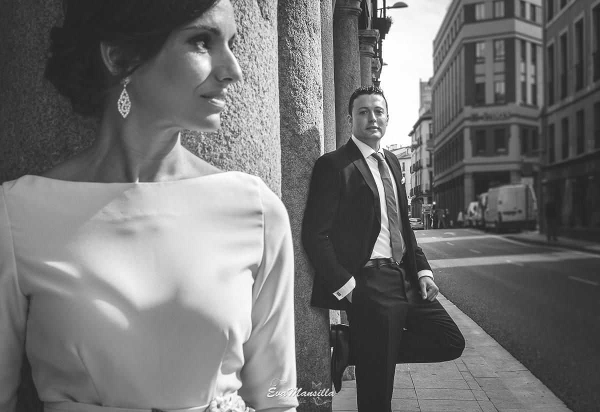 foto blanco y negro novia primer plano sesión novios recién casados