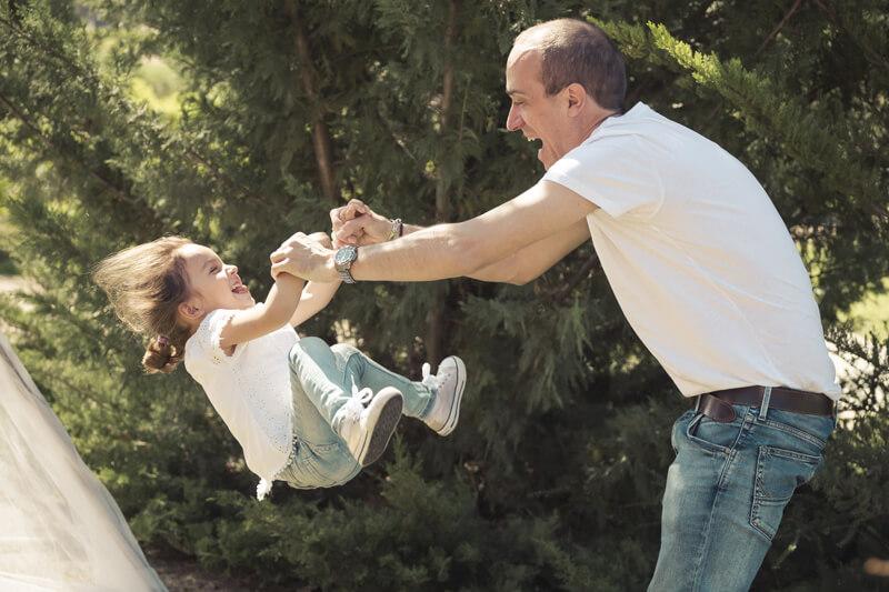 Papá: la fuerza, la alegría, el juego