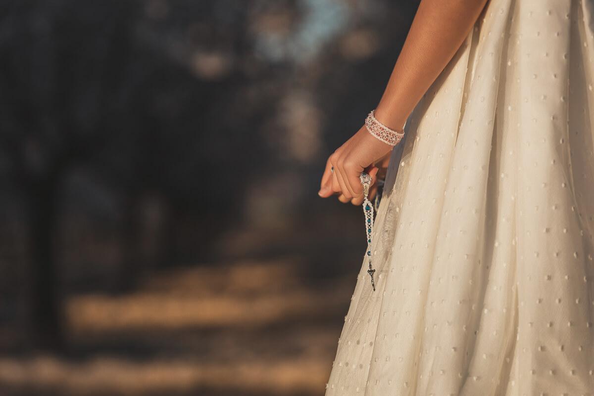 Fotografía detalle rosario de comunión