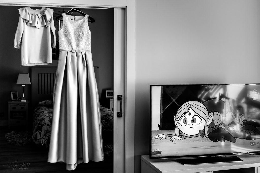foto blanco y negro vestido novia y arras