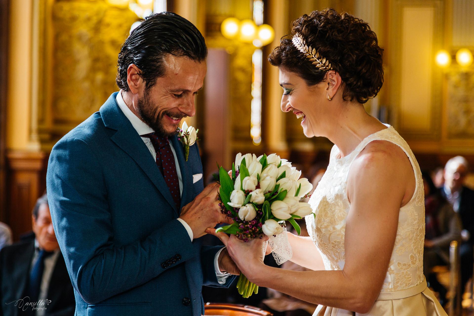 intercambio-anillos-boda-civil-ayuntamiento-valladolid