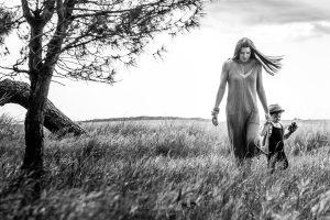 madre e hijo bosque