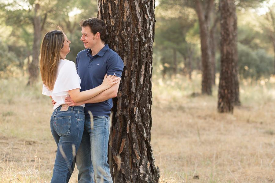 pareja novios atardecer pinar
